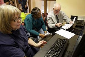 Seniors Often Reluctant To Switch Medicare Drug Plans