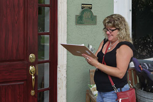 Obamacare Canvassers Seek Out Florida's Uninsured