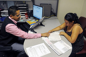 On Day 2, Federal Insurance Marketplace Offers Mixed Bag Of Problems, But Also Successes